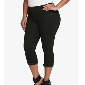 Torrid Cropped Jegging Black Rinse